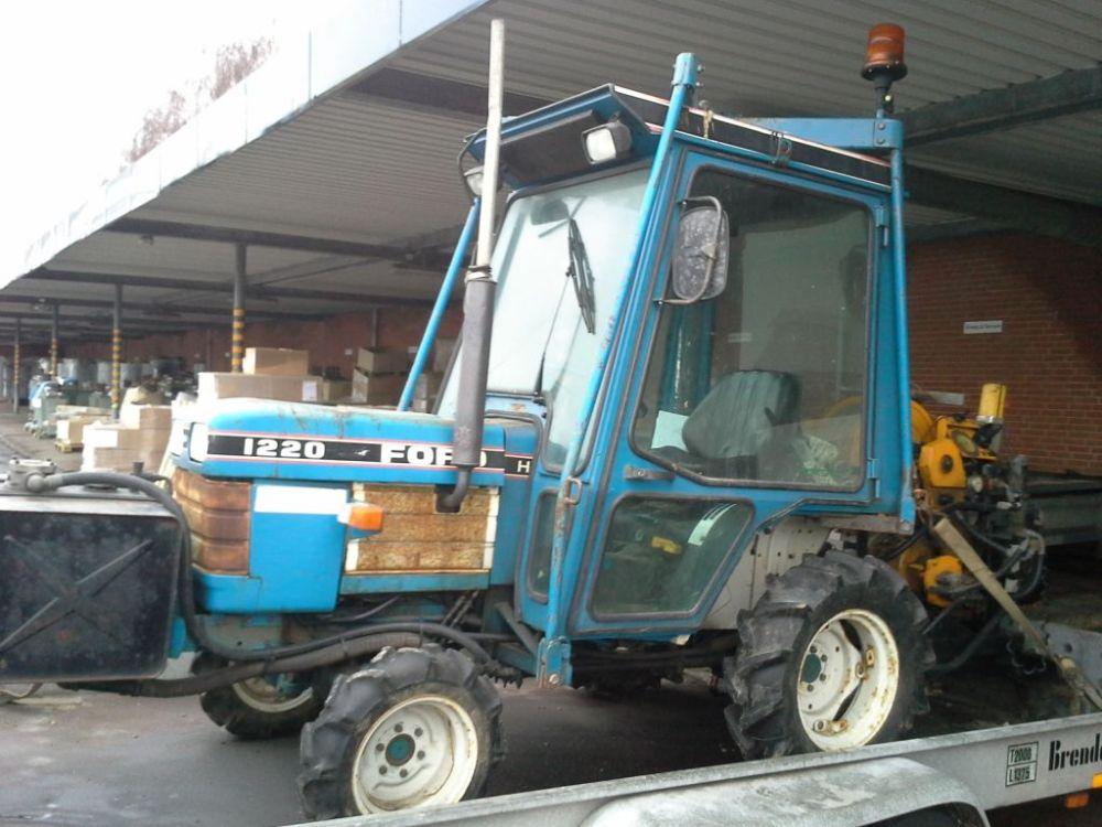 medium resolution of  ford 1220 traktor med spil p brenderup tiptrailer ford 1220 tractor with winch on brenderup