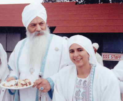 Siri Amrita with Yogi Bhajan