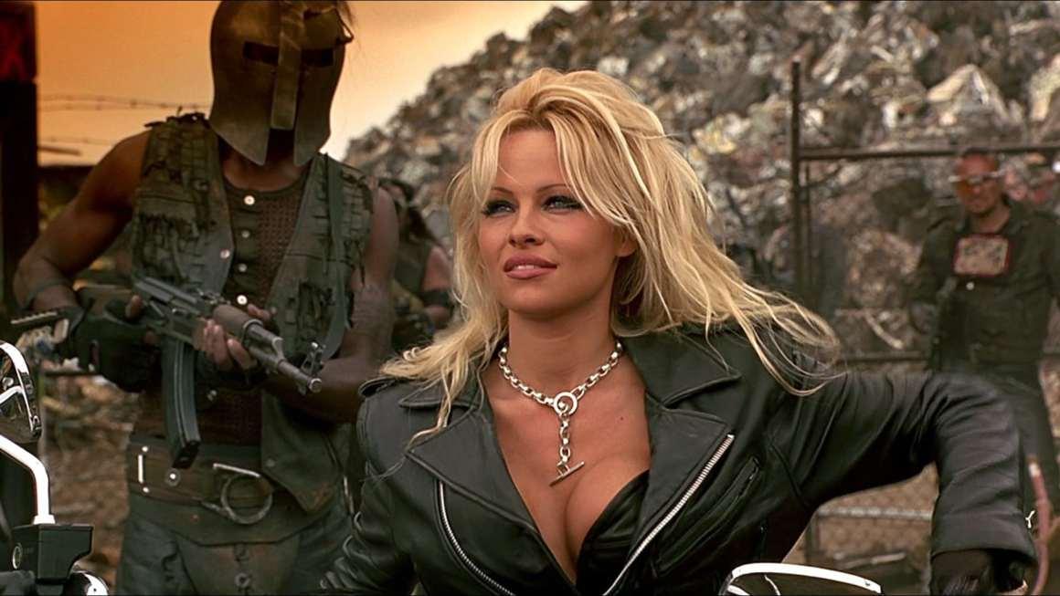 Kritik: Barb Wire (1996)