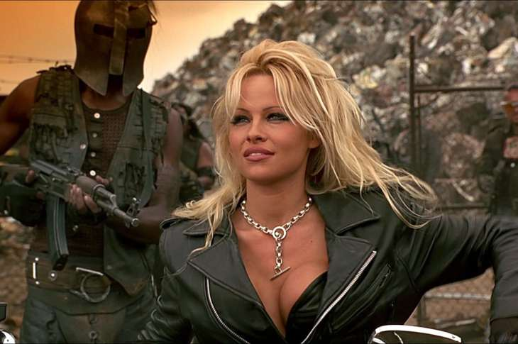 Barb Wire (1996)