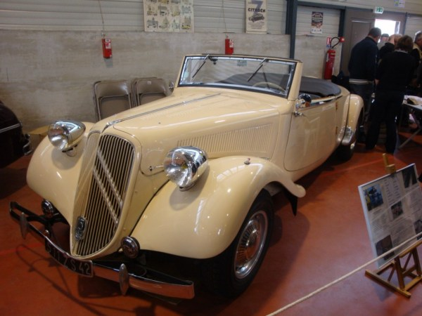 Citroën Traction avant 15.6 Roadster de 6 cylindres (1939)