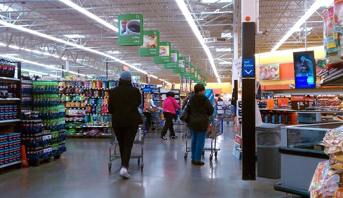 Walmart Will Not Enforce Masks As They Fear For Staff's Safety With Angry Shoppers