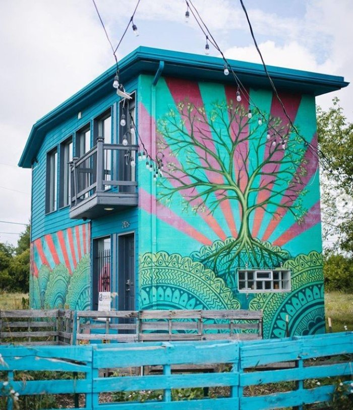 painted tree house detroit