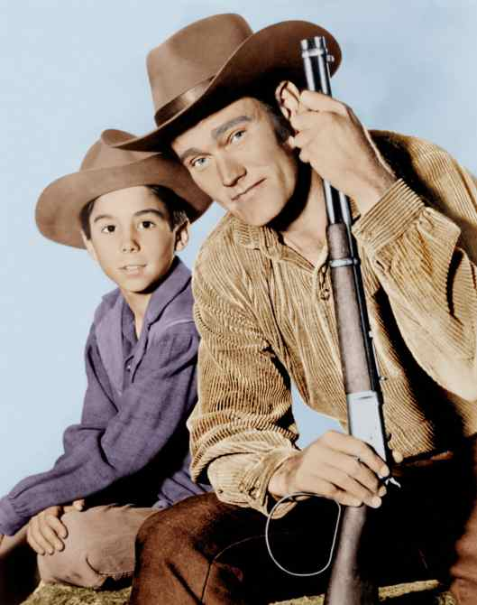 THE RIFLEMAN, from left: Johnny Crawford, Chuck Connors, 1958-63