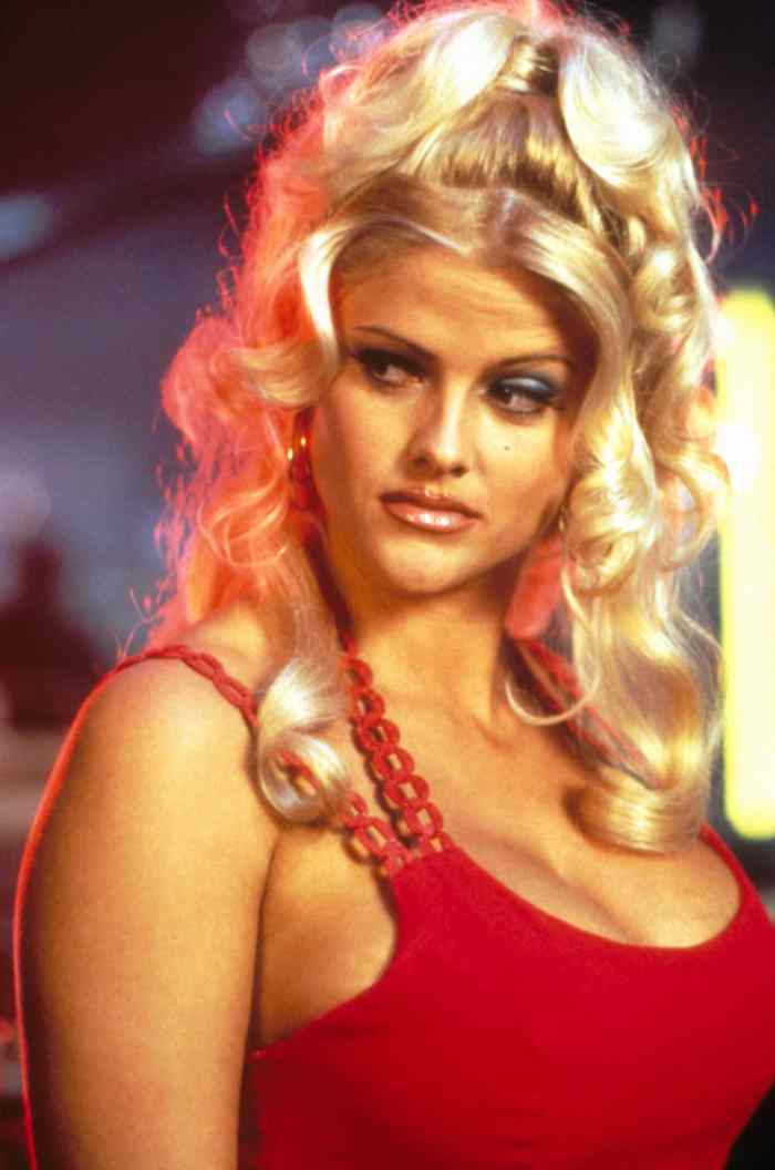 NAKED GUN 33 1/3: THE FINAL INSULT, Anna Nicole Smith