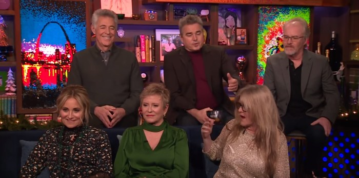 the brady bunch siblings on watch what happens live