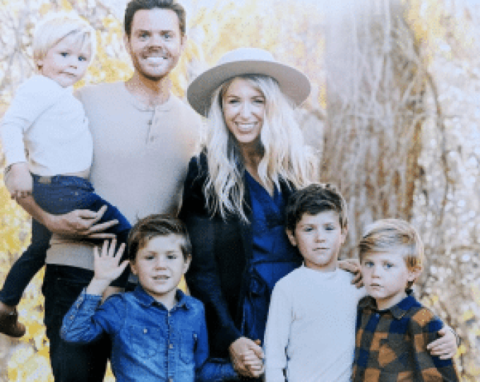 Osmond shares a photo of his son Brandon, Brandon's wife Shelby, and their family