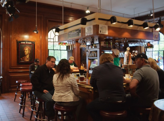 the boston bar that inspired cheers