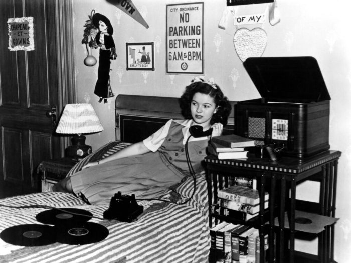 shirley-temple-miss-annie-rooney