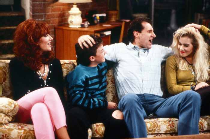 MARRIED...WITH CHILDREN, from left: Katey Sagal, David Faustino, Ed O'Neill, Christina Applegate