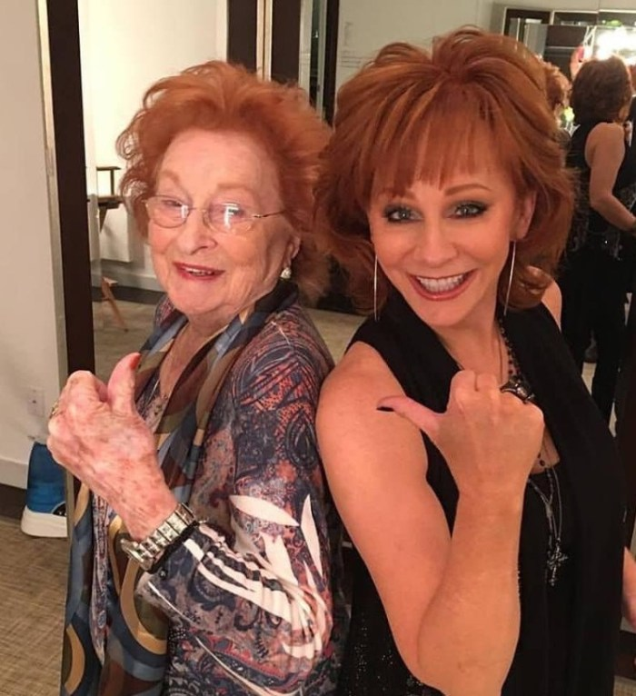 reba mcentire and her mom