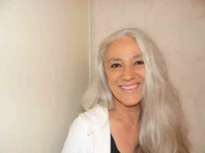 Different hair styles are recommended for graying hair