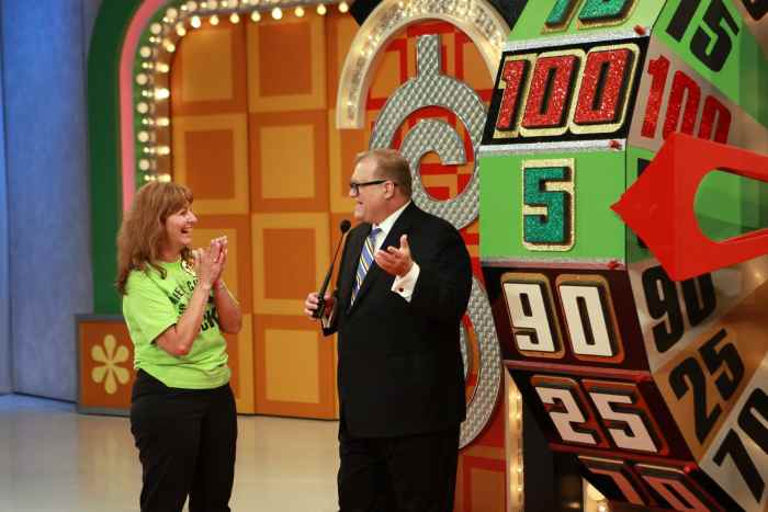 THE PRICE IS RIGHT (aka THE NEW PRICE IS RIGHT), from left: contestant Mary Geach, host Drew Carey, (Season 37, aired Sept. 22, 2008), 1972-