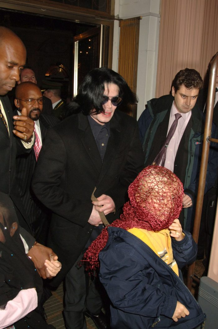 michael jackson and the kids with face coverings