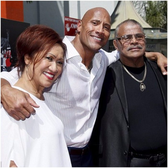 Dwayne Johnson and his parents