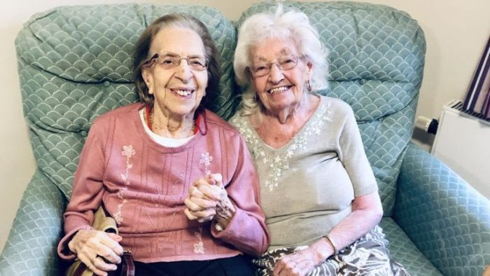 best friends of 80 years move into senior care facility together