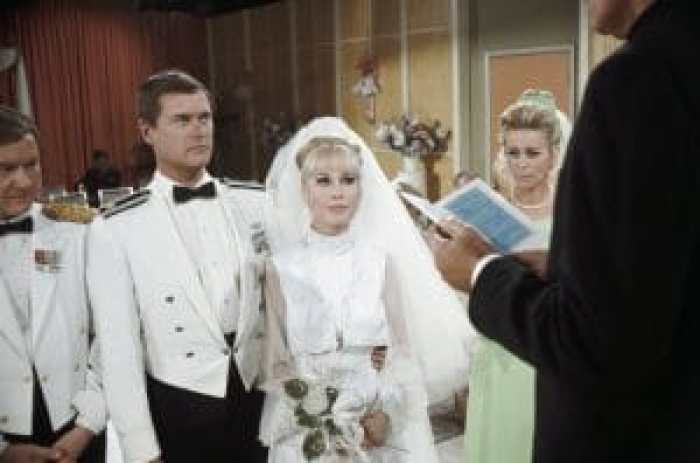 Before the actual wedding episode aired, the network hosted a publicity stunt in the form of a fake wedding