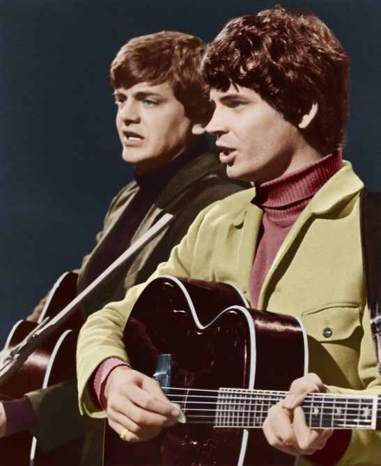 THE KRAFT MUSIC HALL, The Everly Brothers (from left: Phil Everly, Don Everly), 'Country Fair #3', (Season 1, aired May 1, 1968), 1967-71