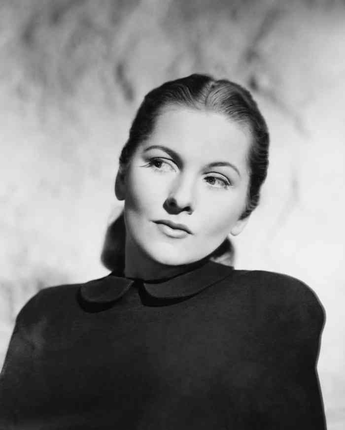 New Book Details How Joan Fontaine 'Despised' Her Sister Olivia De Havilland