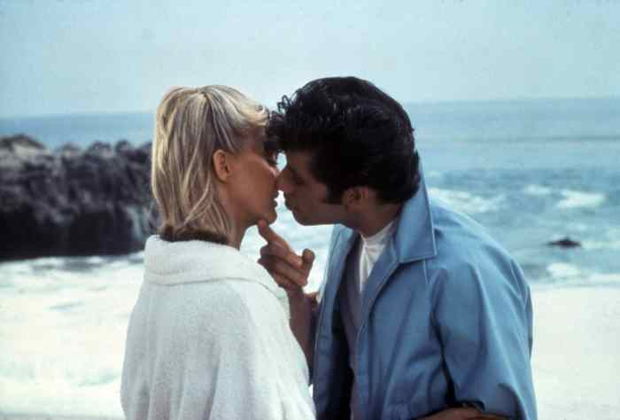 GREASE, Olivia Newton-John, John Travolta kissing scene