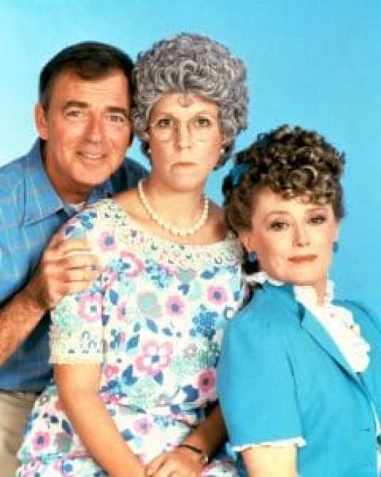 MAMA'S FAMILY, Ken Berry, Vicki Lawrence, Rue McClanahan