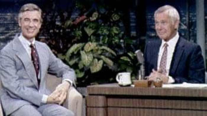 Johnny Carson interviewed Fred Rogers in 1980