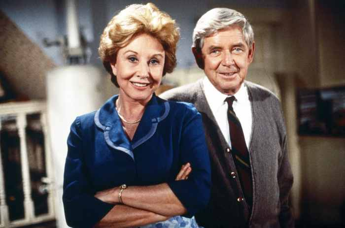 A WALTON THANKSGIVING REUNION, from left: Michael Learned, Ralph Waite