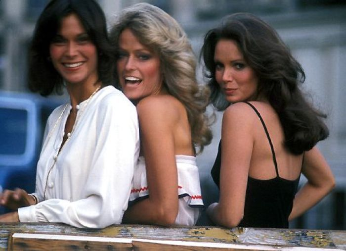 why farrah fawcett left charlie's angels after one season