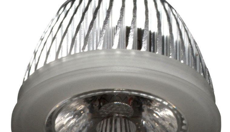 Led Bulb For Use In High End Lighting Fixtures Retrofit