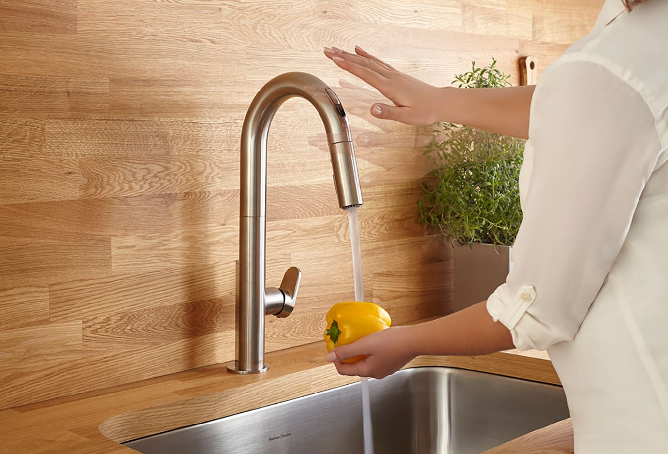 Kitchen Faucet Offers Hands-Free Technology to Improve ...