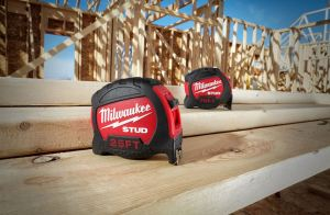Through EXO360 Blade Technology, the STUD Tape Measure features a blade that is both rip and wear resistant.