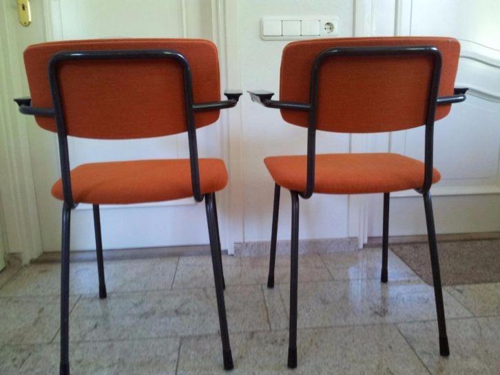 Tafel met 2 stoelen - Kitchenette met stoelen ...