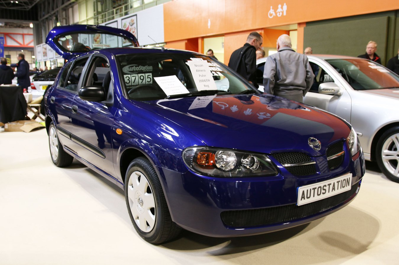 Nissan Almera: £3,795