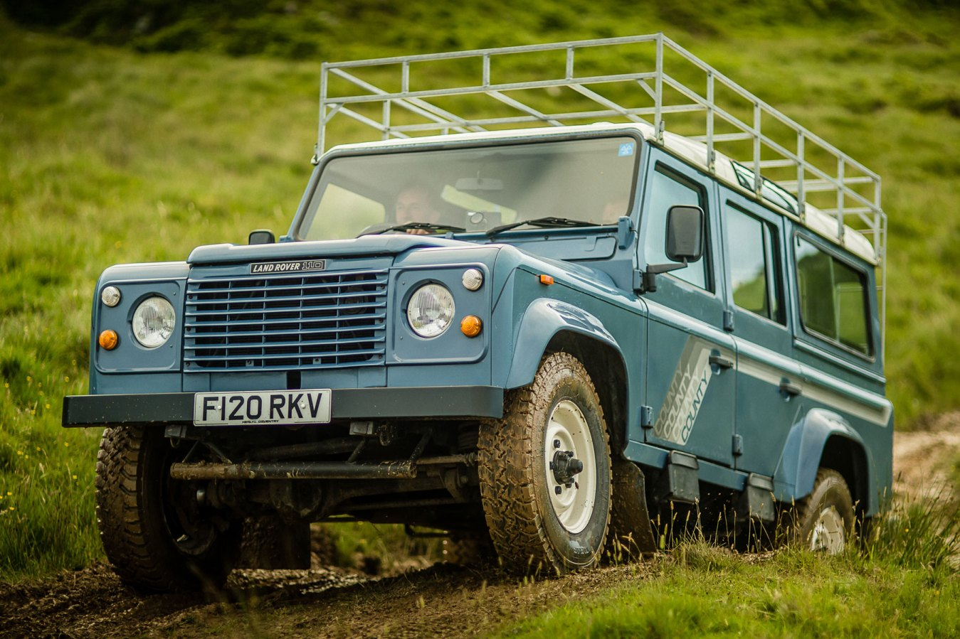 Land Rover 110 V8 County Station Wagon