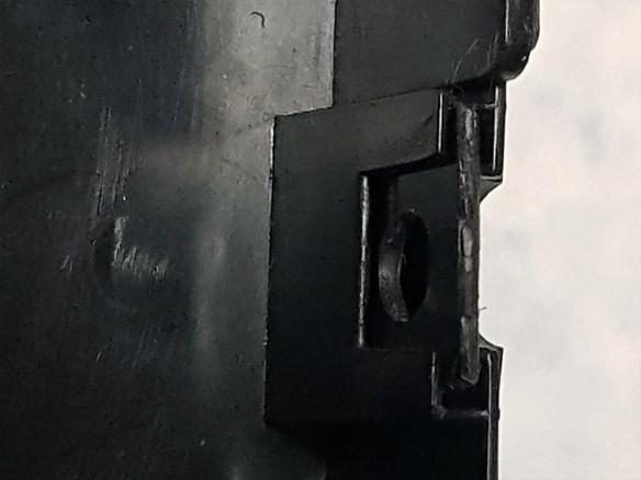 hotbit-adaptador-energia-no-lugar Instalando uma Fonte Externa no MSX Hotbit da Sharp