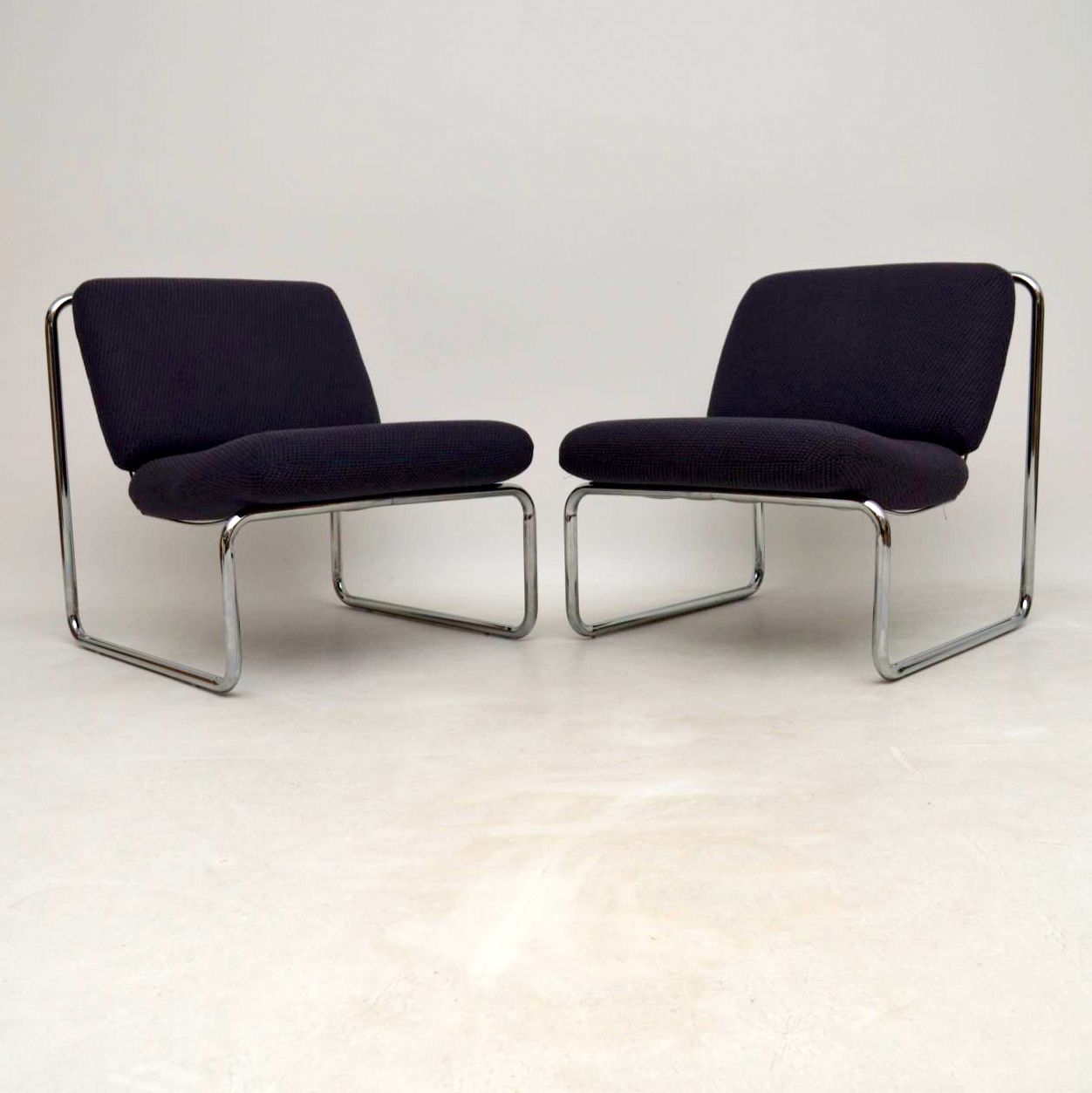 Pair of 1970s Vintage Lounge Chairs in Tubular Steel