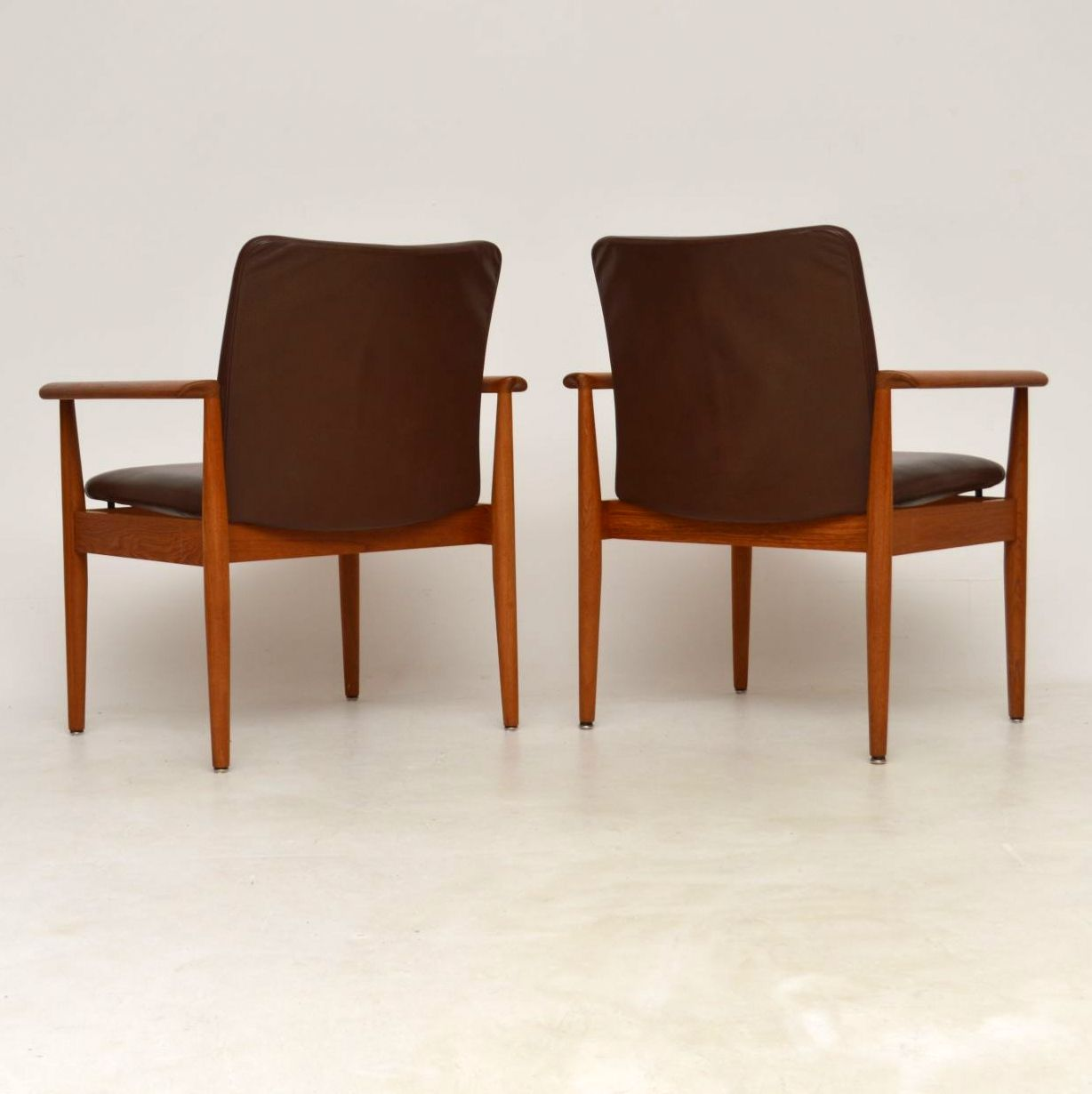 finn juhl sofabord teak sofa shallow foundation analysis 1960s pair of danish leather and vintage armchairs by