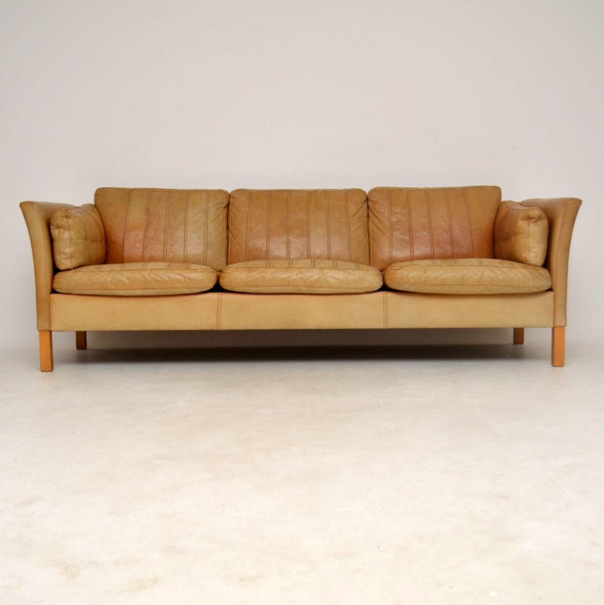 robinson and leather sofa magenta chairs vintage second hand awesome home