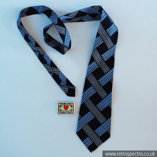 Boots tie