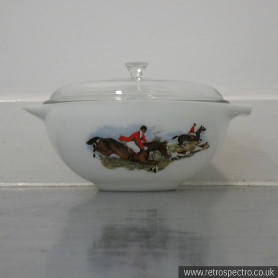 Pyrex Hunting Scene/Tally Ho mixing bowl