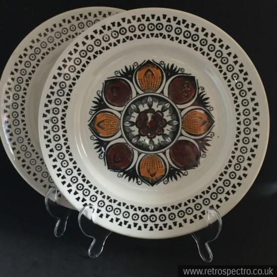 Kathie Winkle Broadhurst Dinner Plate
