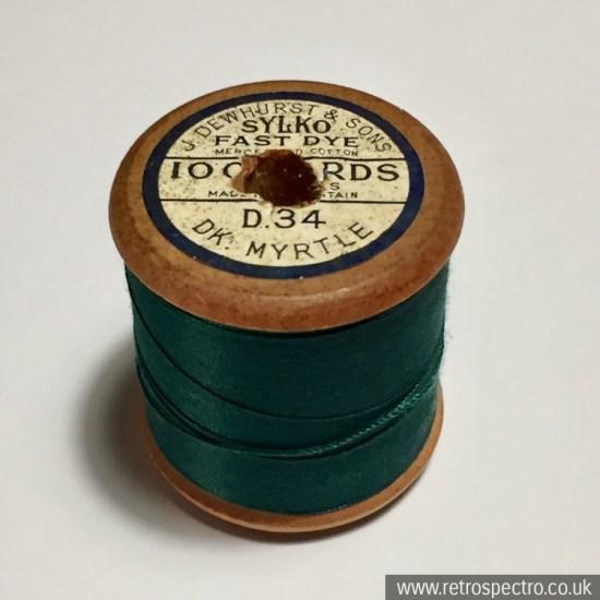 Sylko wooden cotton reel Dark Myrtle D.34