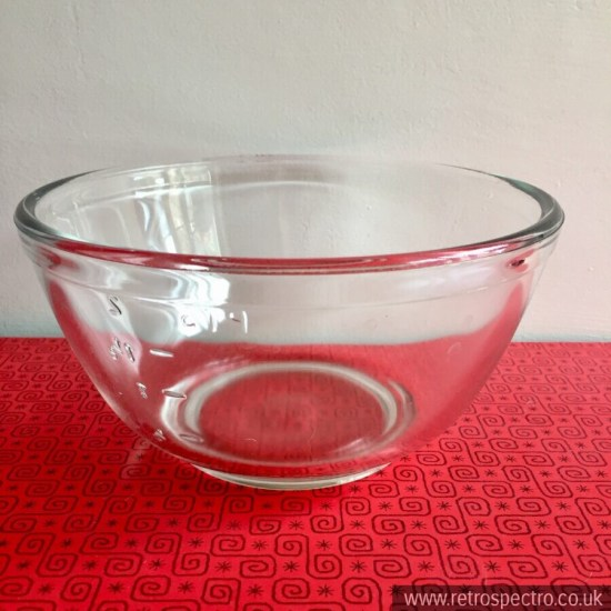 JAJ Pyrex Mixing Bowl With Embossed Measures On Side circa 1960's