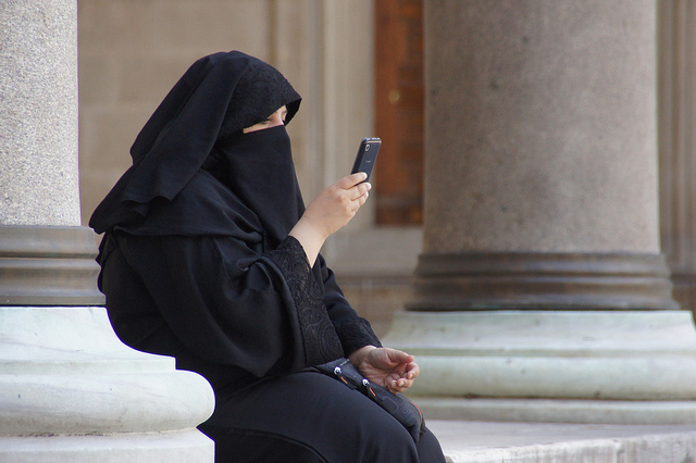 https://i0.wp.com/www.returnofkings.com/wp-content/uploads/2016/05/woman-in-burqa-on-phone.jpg