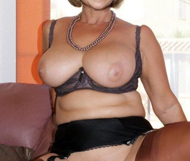 Mature Lady Sex Video Nude Gallery