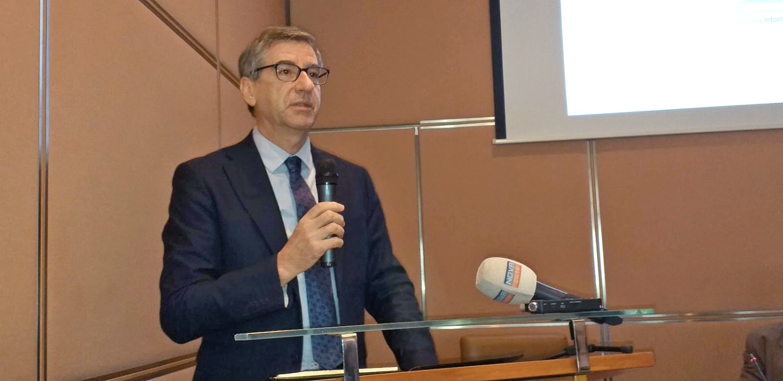 dr. Martin Batič Ministrstvo za okolje in prostor / Raziskava REUS