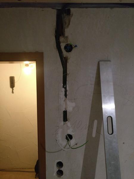 Kabelschlitze im Gästezimmer
