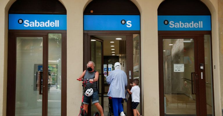 Watch Spanish financial institution Sabadell reaches cope with union to chop jobs – Reuters Markets & Finance News