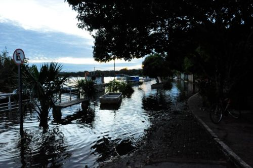 Yes- this is a street in Alter do Chão completely submerged by the early flood waters