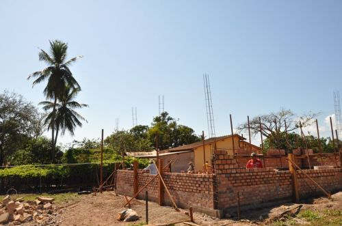 With our work on the foundation done, the wall starts flying up